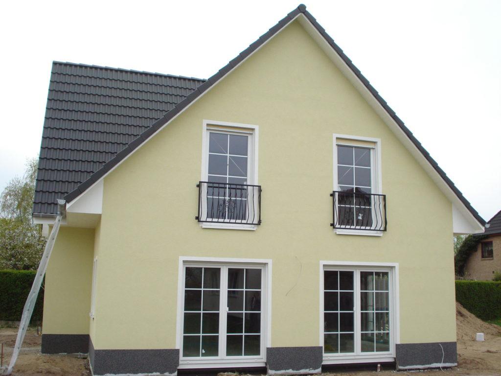 einfamilienhaus_seitenansicht_terrasse